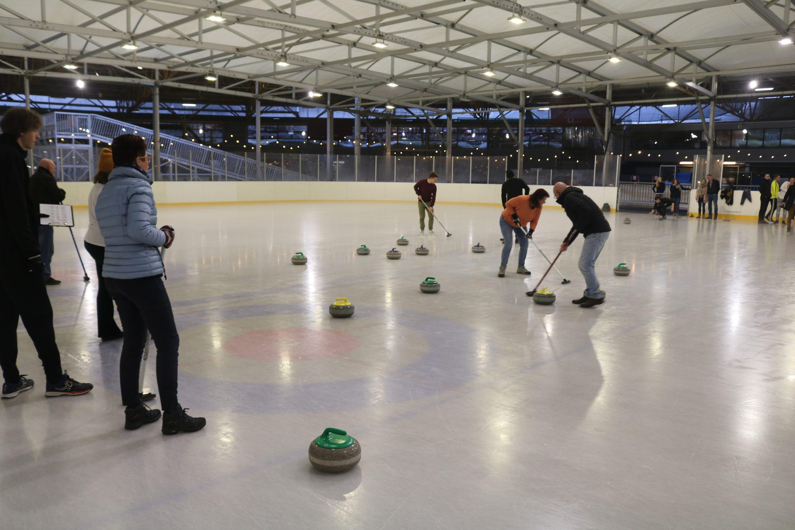 Bedrijfsuitje Curling